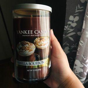 New Yankee Candle Vanilla bourbon candle & melts